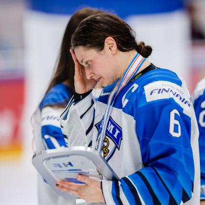 Jenni Hiirikoski deppar efter finalen