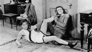 Buster Keaton ja Harold Goodwin elokuvassa Hyppyä, soutua ja rakkautta