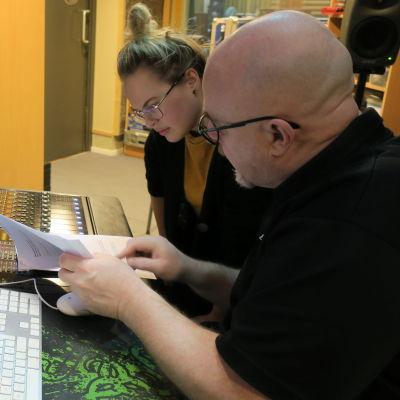 Malin och Lido jobbar med BUU-sagan.