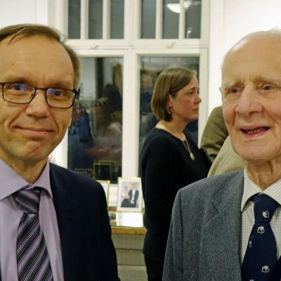 Björn Vikström i samspråk med Louis Ehrnrooth