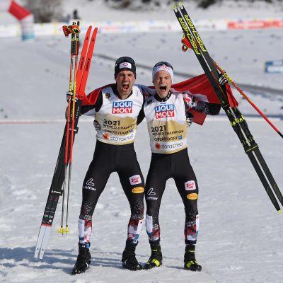 Itävallan Johannes Lamparter ja Lukas Greiderer voittivat MM-kultaa yhdistetyn parisprintissä 2021.