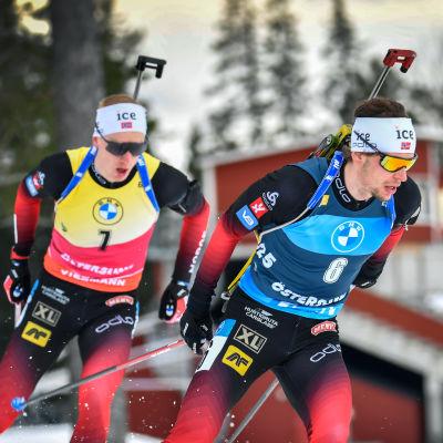 Johannes Thingnes Bø hack i häl på Sturla Holm Lægreid i lördagens jaktstart i Östersund.