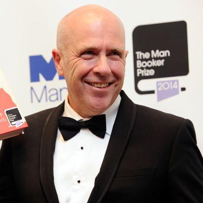 Richard Flanagan vastaanotti Booker-palkinnon tiistai-iltana Lontoossa.
