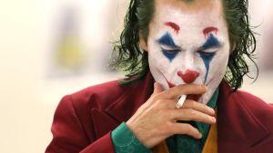 Jokern från Batman röker