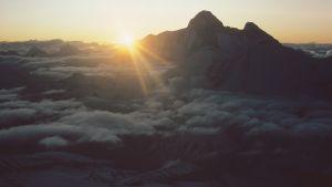 Bild av bergsmassivet Nanda Devi.