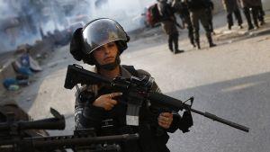 Israeliska säkerhetsstyrkor.