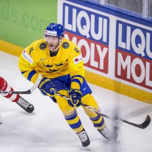 Mattias Ekholm sköt mål från bakom det egna målet.
