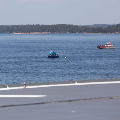 Merivartioveneen nostoa.