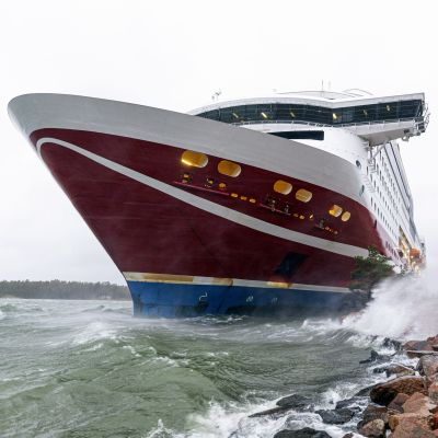 Viking Grace som kört på grund nära Mariehamn.