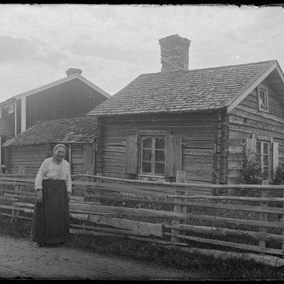Lovisa Törndals Oravaisissa vuonna 1916