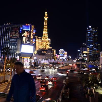 Las Vegas ikoniska kasinogata på natten.