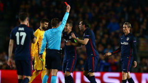 Fernando Torres fick se rött mot Barcelona.