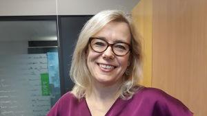 Anna Maria Gustafsson, ledande språkvårdare vid institutet för de inhemska språken.