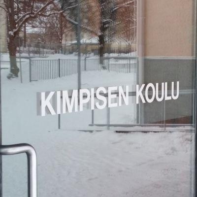 Kimpisen koulu ligger intill vattentornet i Villmanstrand.