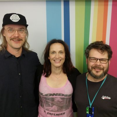 Stig, Maija Vilkkumaa ja Marko Miettinen Levylautakunnassa