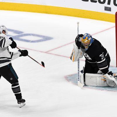 Rantanen ja Aho pöllyttivät verkkoa NHL:n tähdistöottelussa