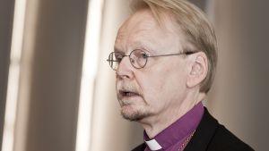 Ärkebiskop Kari Mäkinen.