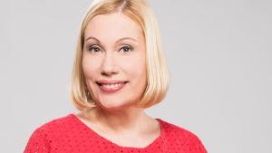 Toimittaja Ruben Stiller juonsi viimeisen Pressiklubi-lähetyksensä. Ensi syksynä juontajana aloittaa toimittaja Sanna Ukkola.