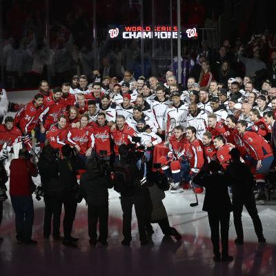 Washington Capitals och Washington Nationals tillsammans på isen.