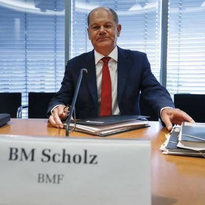 Saksan talousministeri Olaf Scholz parlamentin kokouksessa 29. heinäkuuta 2020.