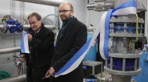 Folke Öhman inviger nya vattenröret