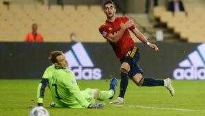 Spanien gör mål mot Tyskland