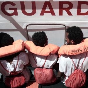 Flyktingar på fartyget Aquarius.