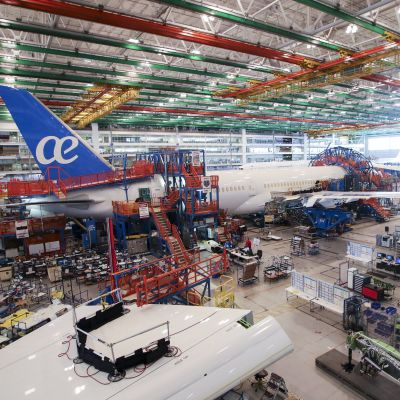 Ett Boeing 787-flygplan byggs i Boeings fabrik i North Charleston, South Carolina.