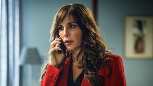 Alexandra Rapaport som Nour i serien Heder.