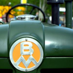 En traktor av märke Bolinder Munktell