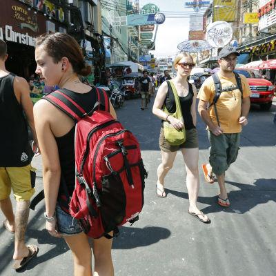 Utländska turister i thailands huvudstad bankok