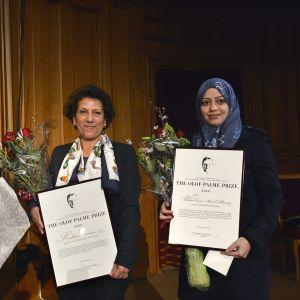 Saudiarabien och Kanada grälar bland annat om den fängslade kvinnosaksaktivisten Samar Badawi (till höger) som emottog Olof Palme priset år 2013