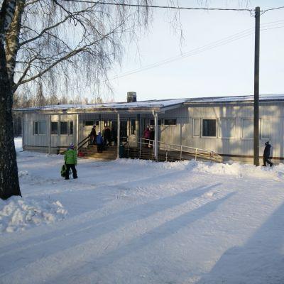 Baracken vid Sannäs skola i Borgå.