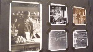 Svartvita fotografier tagna på 1950-talet i Gröna Boden i Bromarv, en liten matbutik