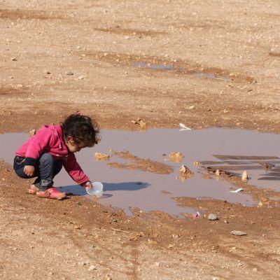 Ett syriskt flyktingbarn i flyktinglägret Zaatari vid den jordanska staden Mafraq nära den syriska gränsen.