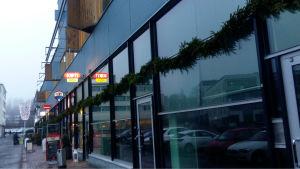 Fasaden till Grankulla köpcentrum.