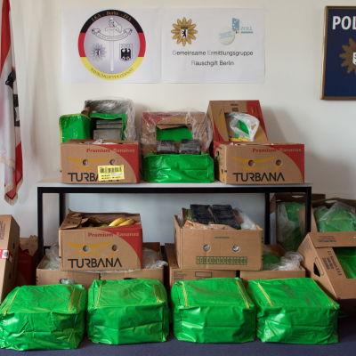 Kokain värt 15 miljoner euro hittades i bananlådor.