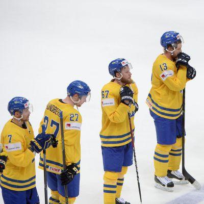 Svenska spelare efter förlusten mot Tjeckien, ishockey-VM 2016.