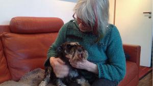 Anneli alfthan med sin hund