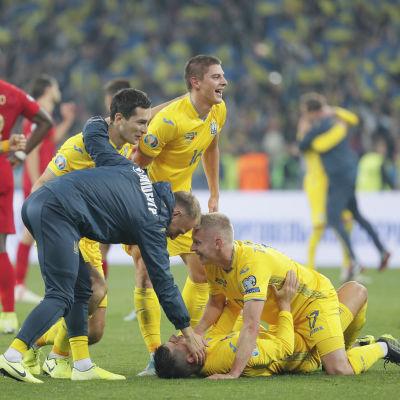Ukrainas herrlandsla firar.