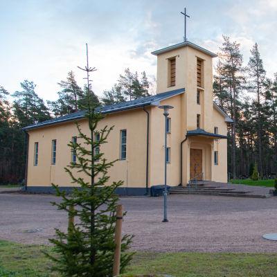Lepolan hautausmaan kappeli.