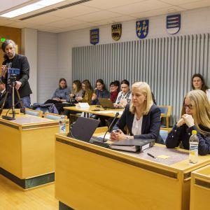 Överblicksbild från rättssalen i Uleåborg