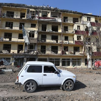Shushin kaupunki on kärsinyt taisteluissa. Kuva vaurioituneesta talosta otettu 29. lokakuuta 2020.