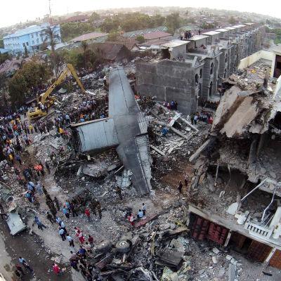 Bild på olycksplatsen i Medan där flygolyckan som krävde minst 141 dödsoffer inträffade.