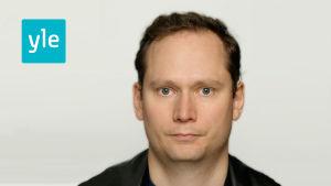Anders AG Karlsson arbetar för Svenska Yle som nyhetsreporter
