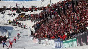 Holmenkollens skidtävlingar lockar varje år storpublik i Oslo, så också i år.