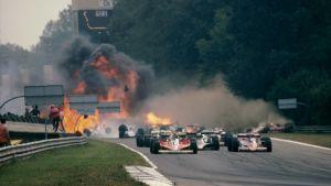 Svensken Ronnie Peterson omkom i sviterna av kraschen i Monza 1978.