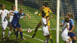 Linda Sällström teki tasoitusmaalin Portugalia vastaan EM-karsintaottelussa.