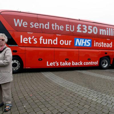 Den brittiska Leave-kampanjens buss som gör kampanj för att Storbritannien ska träda ut ur EU.