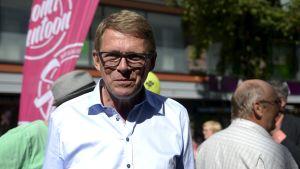 Matti Vanhanen (C) i Jyväskylä den 19 augusti 2015.